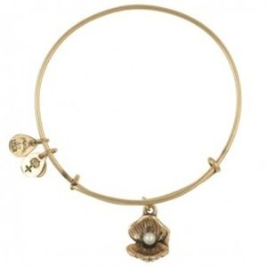 Pearl and Clam Alex and Ani bracelet